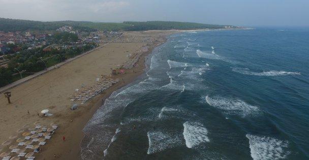 Kocaeli ve Sakarya sahillerinde 75 kişi boğulmaktan kurtarıldı