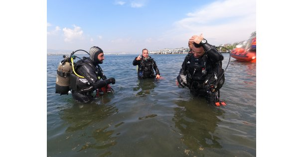 Kocaeli'de müsilaj temizliği seferberliğine dalış sporcuları da katıldı