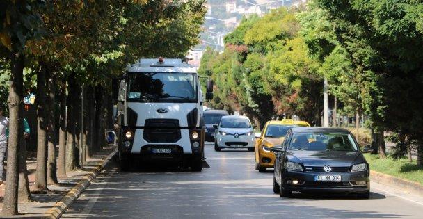 Kocaeli'deki karayollarına titiz temizlik