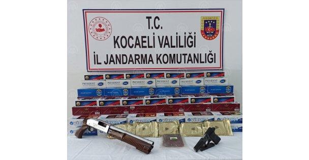 Kocaeli'ndeki kaçak sigara operasyonunda 50 bin 800 makaron ve tütün ele geçirildi