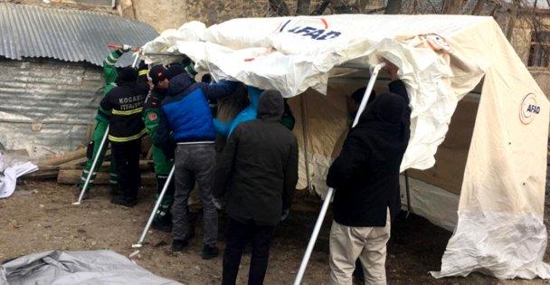 Kocaeli'nin deneyimli deprem ekibi Elazığ'da