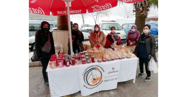 Kocaeli'nin girişimci kadınları kurdukları kooperatifle yöresel ürünleri tüketiciyle buluşturuyor