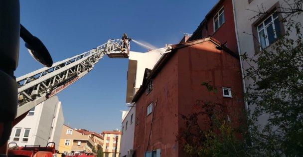 Market deposunda çıkan yangın söndürüldü