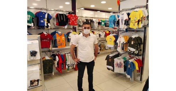 Maske uyarısında bulunan mağaza müdürünün darbedilmesi güvenlik kamerasında