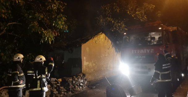 Mevlana'daki yangında bir ev kullanılamaz hale geldi