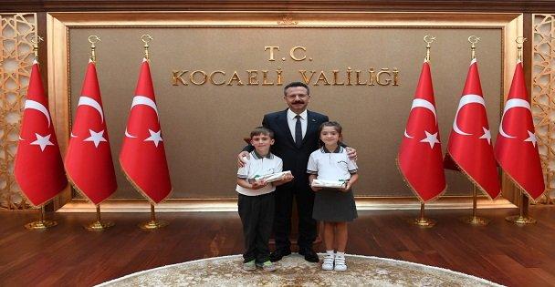Öğrencilerden Aksoy'a ziyaret
