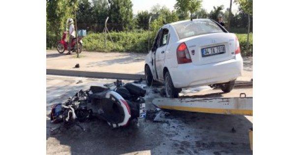 Otomobile çarptı alev aldı