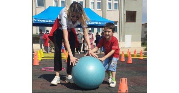 Özel gereksinimli çocuklara eğlenceli atletizm