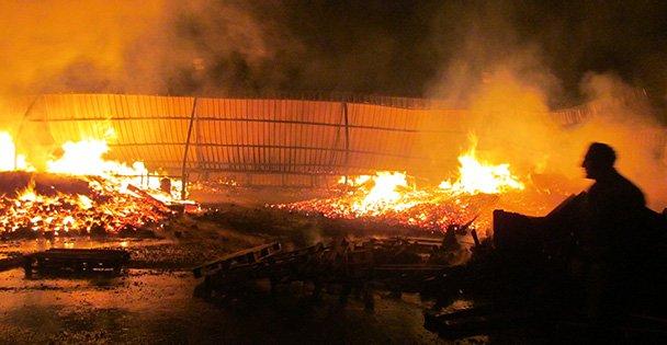 Palet Fabrikasında yangın!
