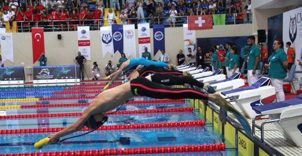 Paletli yüzmede 2019'un son Türkiye Şampiyonası Gebze'de başladı