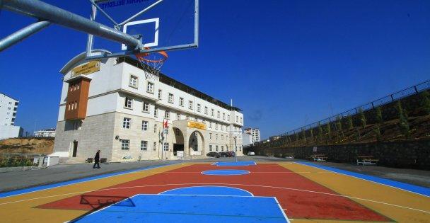 Potasız Okul Kalmasın:75 okula daha basketbol ve voleybol sahası yapılacak