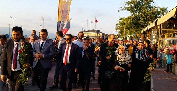 Saadet'ten sevgi yürüyüşleri