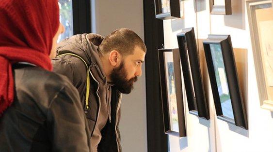 Sanatçı Nazmi Kişioğlu'nun minyatür eserleri Kocaeli'de sergileniyor
