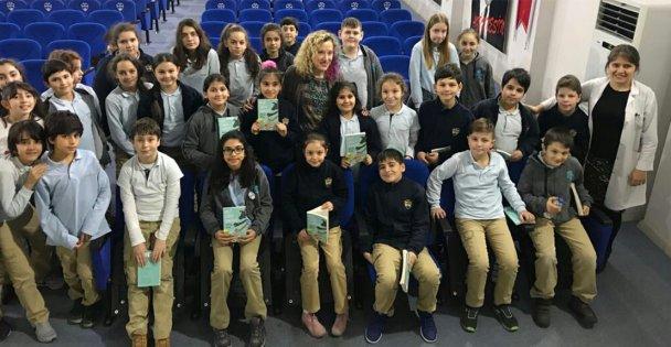 Seğmen'li öğrenciler yazar Aytül Akal'la buluştu
