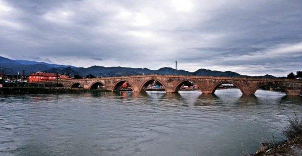 Tarihi Koyunbaba Köprüsü