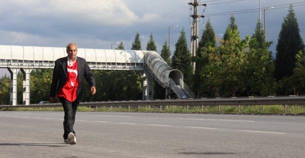 Testsiz Otobüse Alınmayınca Ankaradan İstanbula Yürüyüşe Başladı