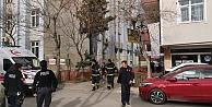 Apartman dairesinde çıkan yangın kısa sürede söndürüldü