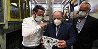Bakan Varank, yüksek basınçlı alüminyum döküm otomotiv parçası üreten firmayı ziyaret etti