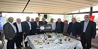 Başkan Karabacak hacıları konuk etti
