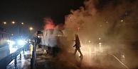 Çayırovada seyir halindeki işçi servisinde yangın çıktı