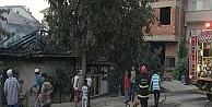 Elektrik kontağı tek katlı evi yaktı