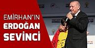 Erdoğan'ın sahneye çağırdığı çocuk büyük sevinç yaşadı