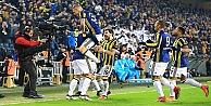 Fenerbahçe, Medipol Başakşehiri Devirdi!