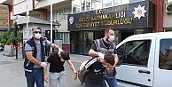 Gebzede 2 kişinin parasını gasbettikleri iddiasıyla yakalanan 4 şüpheliden 2si tutuklandı