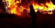Gebzede palet fabrikasının imalathane bölümünde yangın