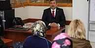 Karabacak yeni anayasayı velilere anlattı