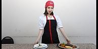 KO-MEK Mutfağında mantı açan yabancı gelin