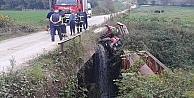 Kocaeli#39;de devrilen traktörün sürücüsü yaralandı