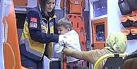Küçük Çocuğun Parmağı Koptu
