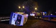 Minibüs devrildi; 6 yaralı