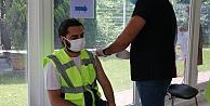 Mobil aşı ekipleri sanayi kentinde üretimin aksamaması için seferber oldu