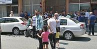 Otomobil yayaya çarptı: 2 yaralı