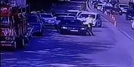 Sürücüsü uygulamadan kaçan otomobilin sürüklediği polis yaralandı