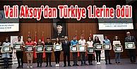 Vali Aksoydan Türkiye 1.lerine ödül
