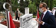 Vali Yavuz, Bağçeşme Namazgah Şehitliği ile Polis Şehitliğini Ziyaret Etti