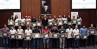 Başarılı öğrenciler altınla ödüllendirildi