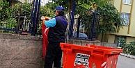 Belediye temizlik görevlisinin Türk bayrağı hassasiyeti