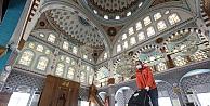 Çayırova'da Camiler temizleniyor