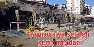 Çayırova'ya şelaleli semt meydanı
