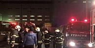 Çıkan yangında fabrikanın sosyal tesisinde hasar oluştu