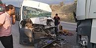 Gebze'de işçi servisi ile hafriyat kamyonu çarpıştı: 5 yaralı
