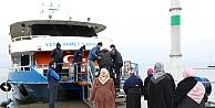 Huzurevi sakinleri, İzmit Körfezi turuyla deniz havası almanın keyfini yaşadı
