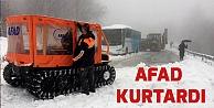 Karda mahsur kalan 75 kişi kurtarıldı