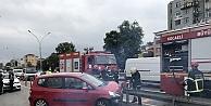Kocaeli'de bariyerin saplandığı otomobildeki çift yaralandı