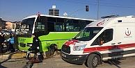 Kocaeli'de Halk Otobüsü Kamyonetle Çarpıştı: 2 yaralı