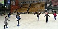 Öğrencilere Ücretsiz Buz Pateni!